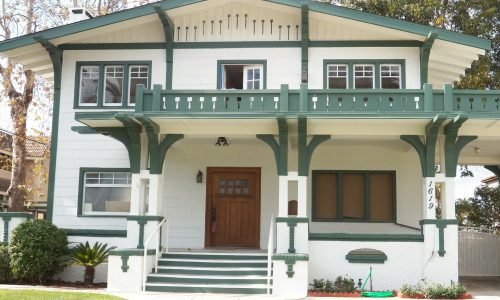 bungalow-615488_1920
